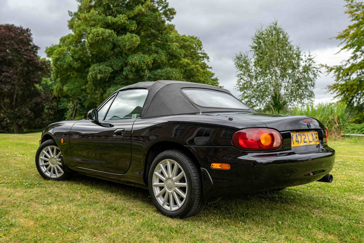 2001 Mazda MX-5 Jasper Conran For Sale (picture 2 of 6)