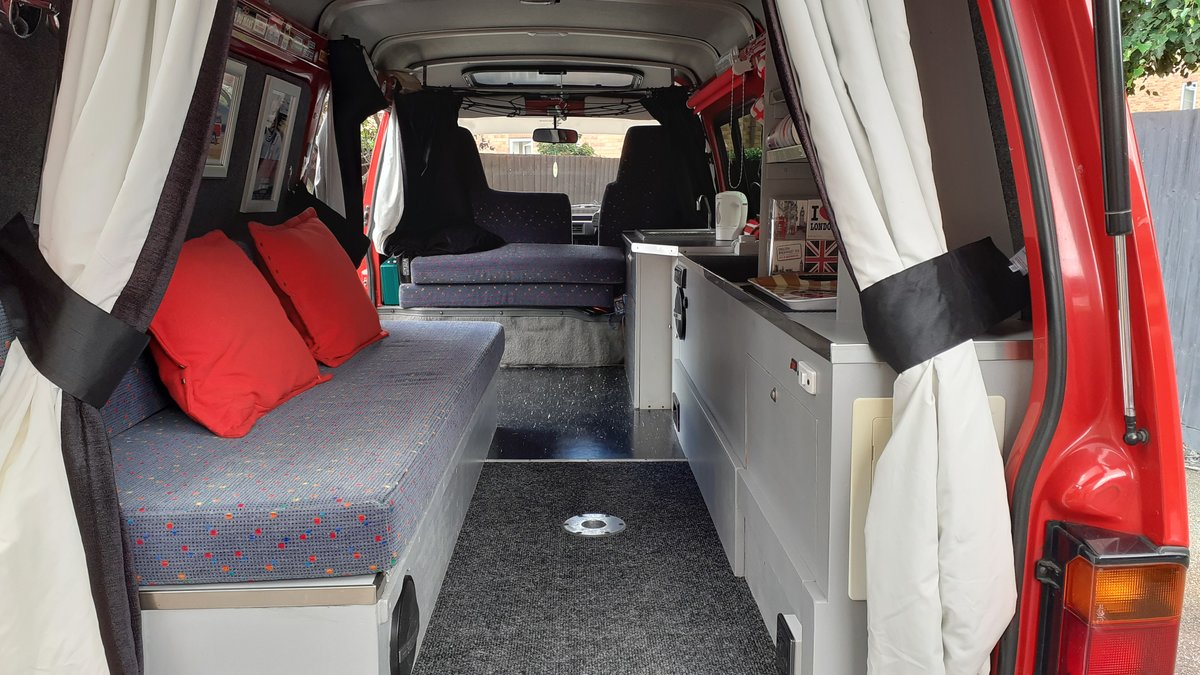 1989 Mazda E2000, Retro Campervan - Excellent condition SOLD (picture 3 of 6)