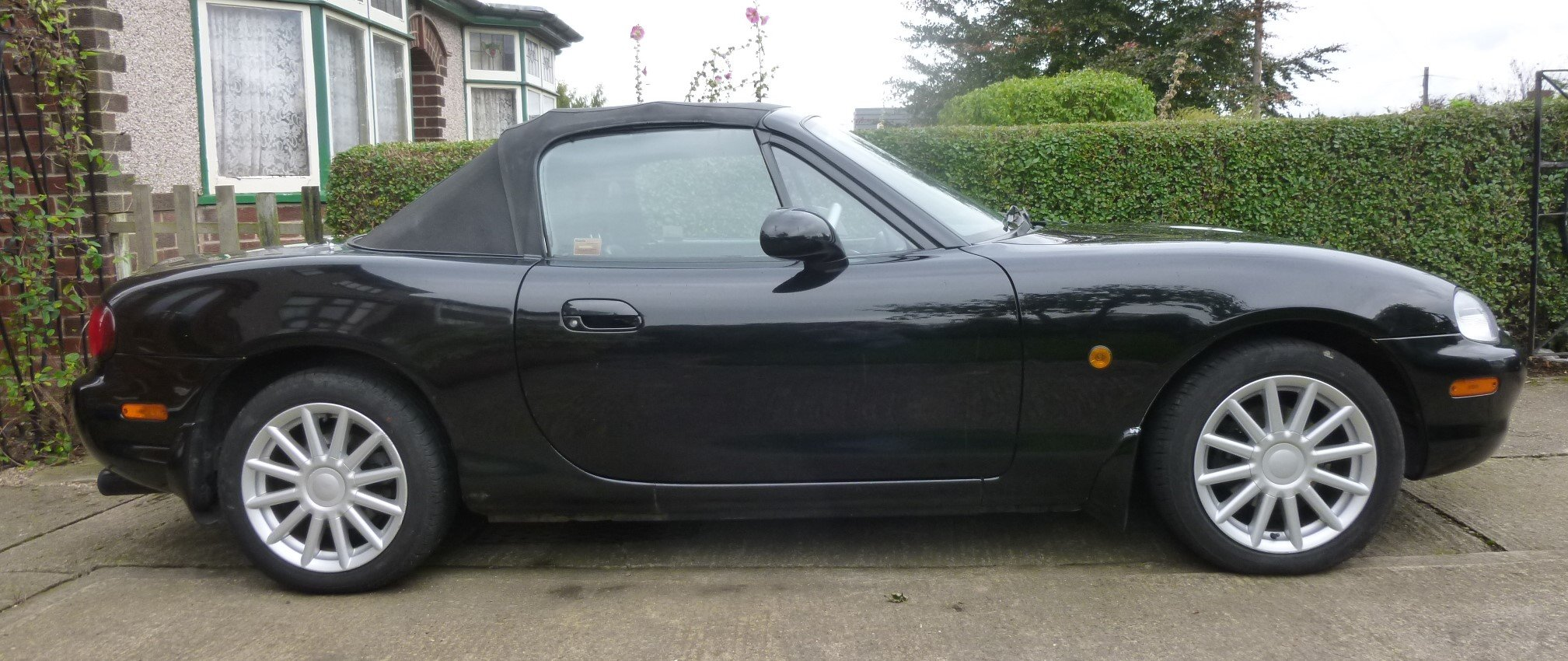 2001 Mazda MX5 mk 2 Jasper Conran Limited Edition SOLD (picture 2 of 6)