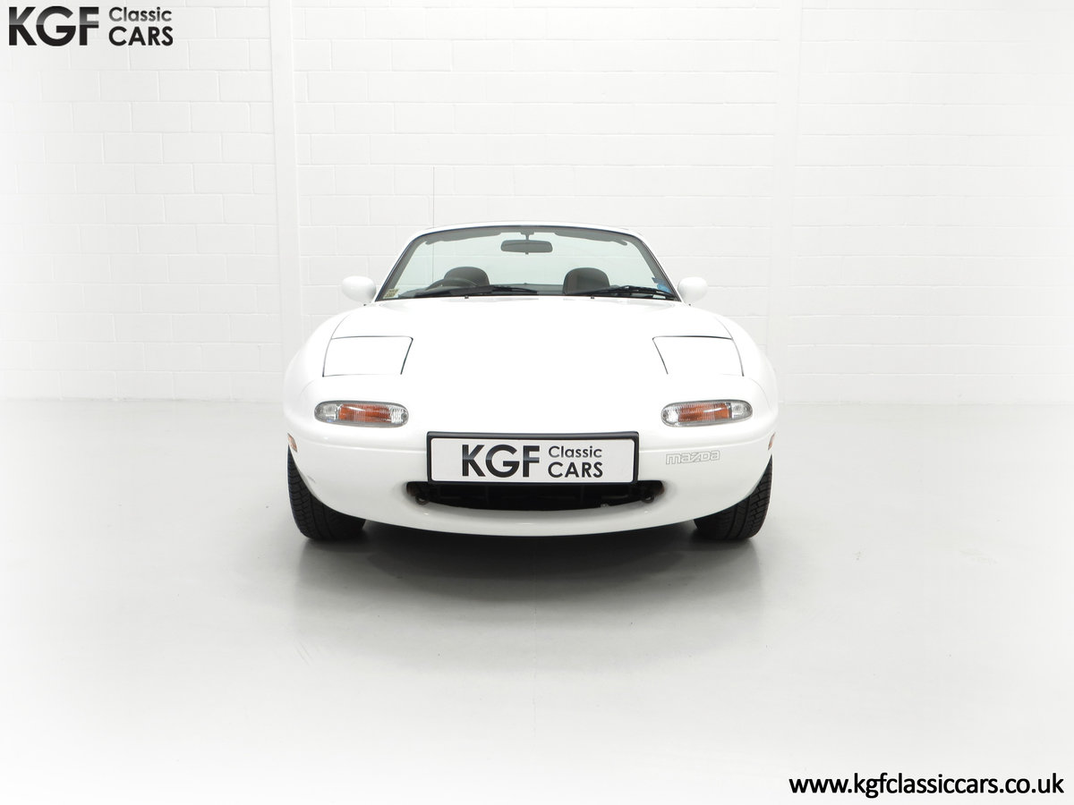 1991 An Early and Collectable UK Mazda MX-5 with 16,914 Miles SOLD (picture 3 of 24)