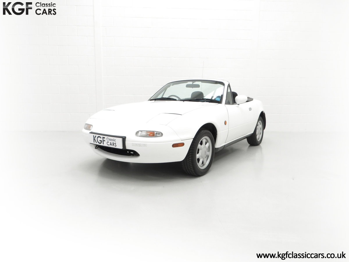 1991 An Early and Collectable UK Mazda MX-5 with 16,914 Miles SOLD (picture 6 of 24)