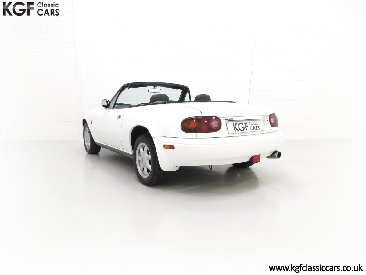1991 An Early and Collectable UK Mazda MX-5 with 16,914 Miles SOLD (picture 8 of 24)