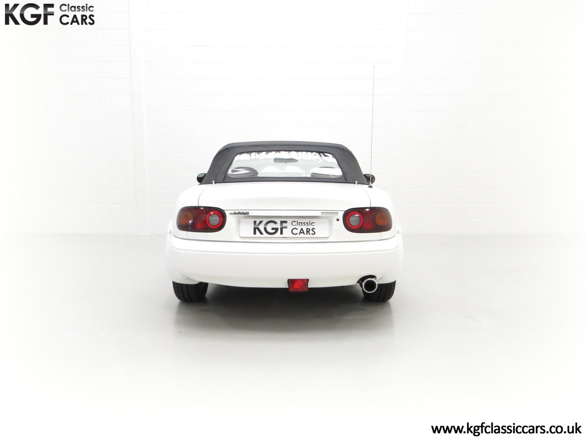 1991 An Early and Collectable UK Mazda MX-5 with 16,914 Miles SOLD (picture 10 of 24)
