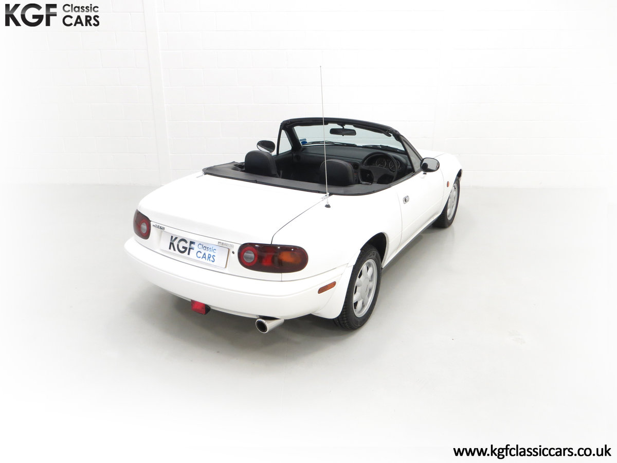 1991 An Early and Collectable UK Mazda MX-5 with 16,914 Miles SOLD (picture 12 of 24)