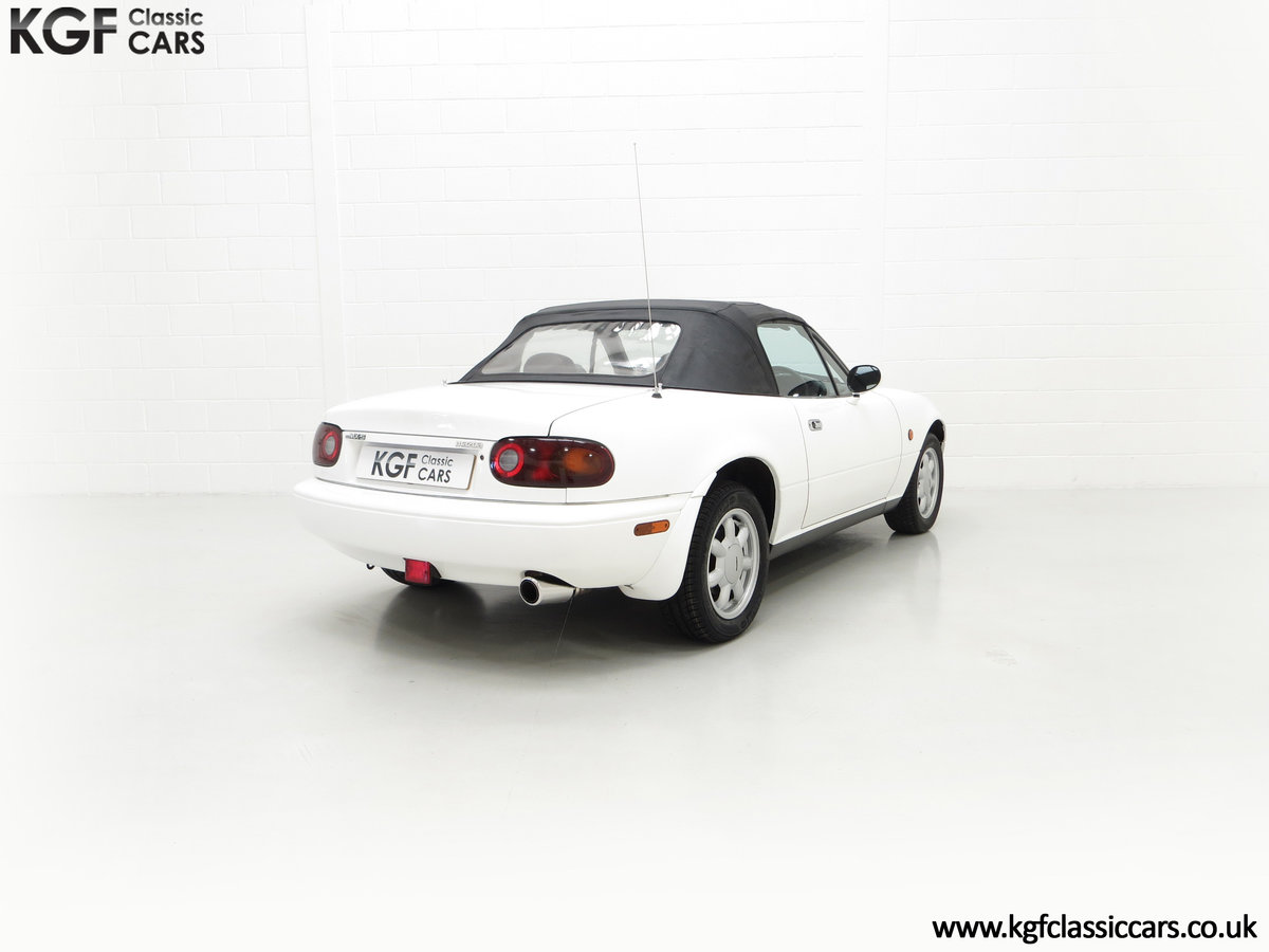 1991 An Early and Collectable UK Mazda MX-5 with 16,914 Miles SOLD (picture 13 of 24)