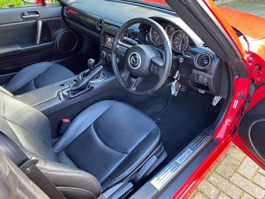 2015 An EXCEPTIONAL Mazda MX-5 2.0i Sport Tech Nav - 1 OWNER 19K For Sale (picture 5 of 6)