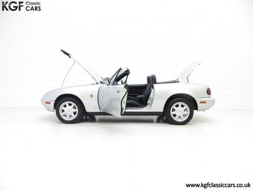 A Very Early Built UK Mazda MX-5 in Unmolested Condition SOLD (picture 3 of 6)