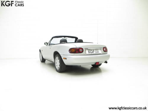 A Very Early Built UK Mazda MX-5 in Unmolested Condition SOLD (picture 4 of 6)