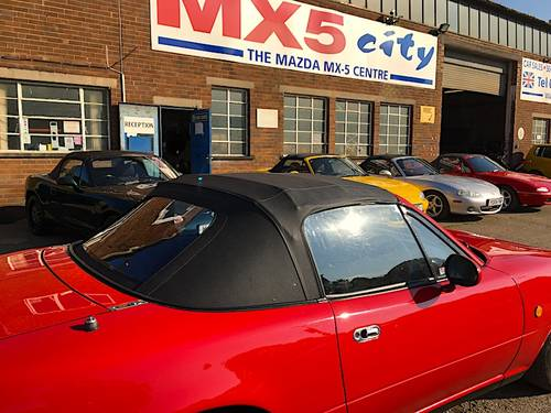1991 Mazda MX-5 Mk1 1.6 Eunos Roadster SOLD (picture 5 of 6)