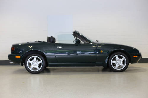 1998 Charming Mazda MX5 1.8i with full documented Mazda history. SOLD (picture 4 of 6)