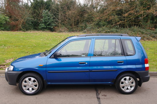 MAZDA DEMIO 1.3.. ONE OWNER.. 17,000 MILES! RARE COLOUR SOLD (picture 1 of 6)