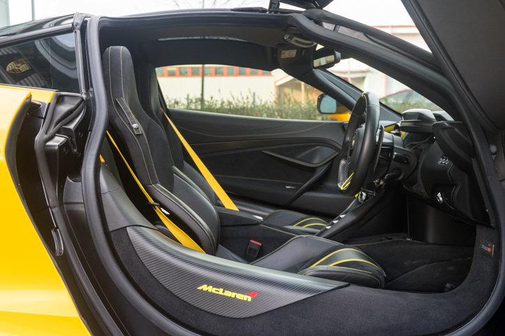 McLaren 720s 2019 SOLD (picture 5 of 6)