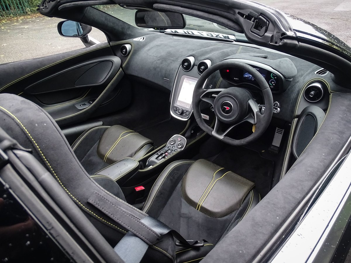 2017 McLaren  570S  V8 SSG SPIDER CAB AUTO  119,948 For Sale (picture 19 of 24)