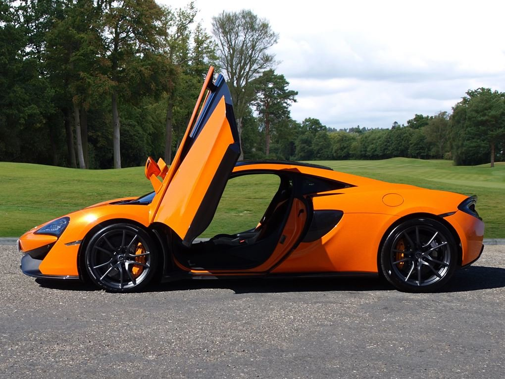 2017 McLaren  570S  V8 SSG COUPE AUTO  79,948 For Sale (picture 4 of 24)