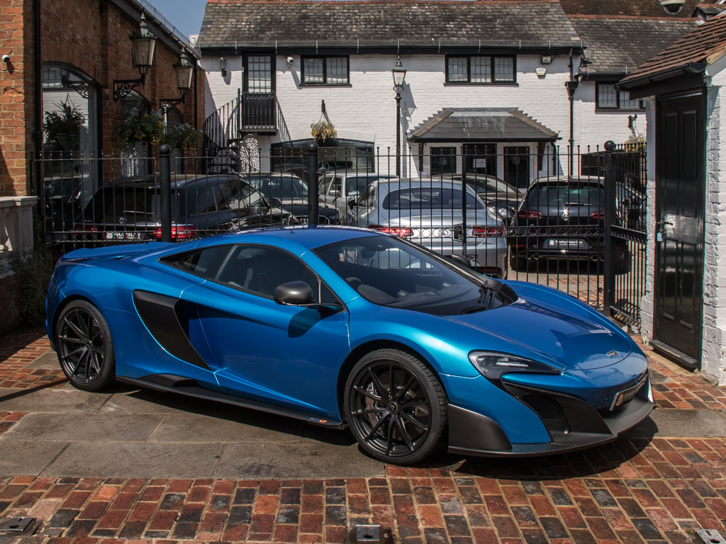 2015 McLaren    675 LT For Sale (picture 2 of 18)