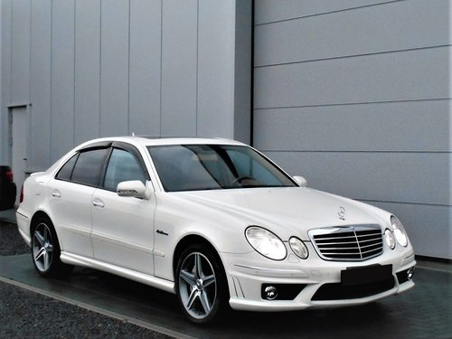 2007 MERCEDES-BENZ E63 AMG 6.2 7G-TRONIC WHITE 52K MILES LHD For Sale (picture 1 of 6)