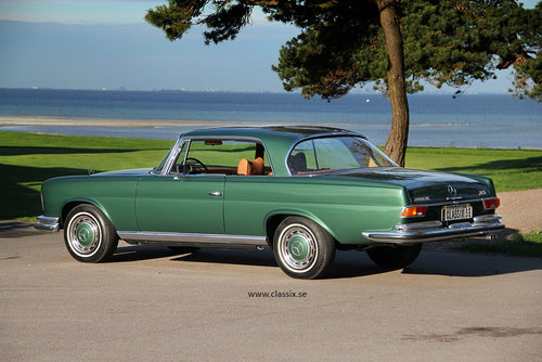 1972 Fully restored Mercedes 280SE 3,5 in mossgreen, manual LHD SOLD (picture 1 of 6)