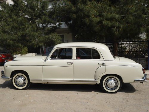 Mercedes benz 220S model 1959 with 6cyl engine SOLD (picture 1 of 6)