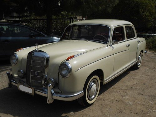 Mercedes benz 220S model 1959 with 6cyl engine SOLD (picture 2 of 6)