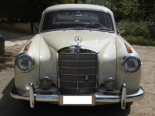 Mercedes benz 220S model 1959 with 6cyl engine SOLD (picture 4 of 6)