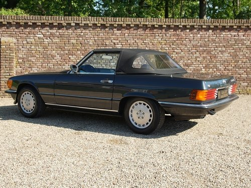 1986 Mercedes 300SL  only 64.000 miles. Matching numbers! For Sale (picture 2 of 6)