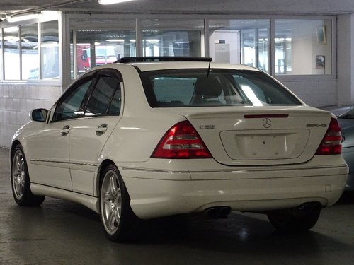 2004 Mercedes-Benz C 5.4 AMG 4dr C55 5.4 V8 AMG HUGE SPEC For Sale (picture 3 of 6)