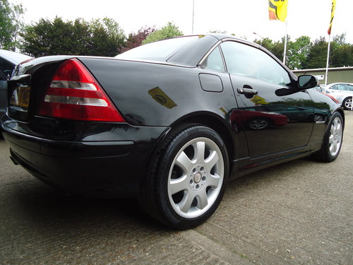 0303 LOW MILEAGE SLK 230 KOMP AUTO - VERY NICE SPEC For Sale (picture 1 of 6)