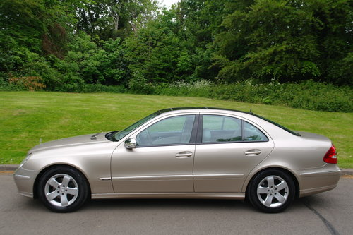2004 Mercedes E220 CDi Avantgarde. Diesel. Auto. Hi Spec. Bargain SOLD (picture 2 of 6)