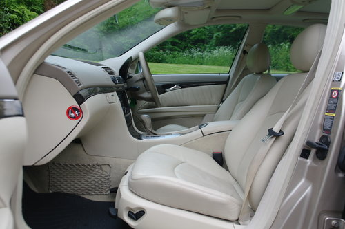 2004 Mercedes E220 CDi Avantgarde. Diesel. Auto. Hi Spec. Bargain SOLD (picture 3 of 6)