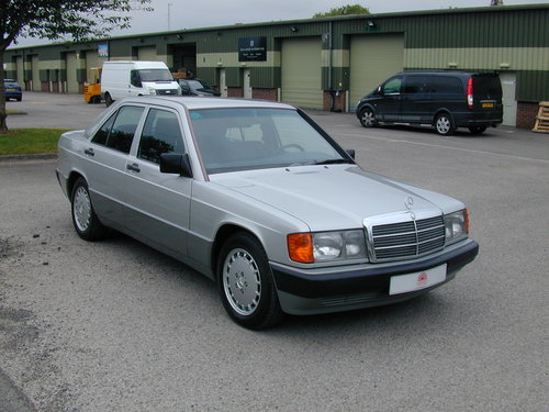 1991 MERCEDES BENZ 190 2.0e AUTOMATIC LHD LOW MILES! EXCEPTIONAL! For Sale (picture 1 of 6)