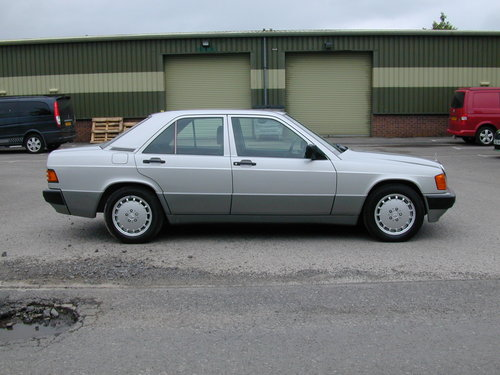 1991 MERCEDES BENZ 190 2.0e AUTOMATIC LHD LOW MILES! EXCEPTIONAL! For Sale (picture 2 of 6)