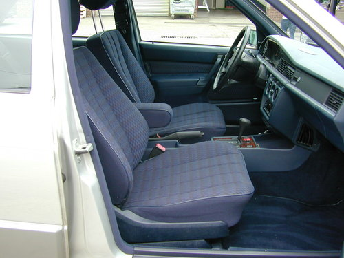 1991 MERCEDES BENZ 190 2.0e AUTOMATIC LHD LOW MILES! EXCEPTIONAL! For Sale (picture 5 of 6)