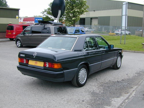1991 MERCEDES BENZ 190 2.0e AUTOMATIC LHD LOW MILES! EXCEPTIONAL! For Sale (picture 3 of 6)