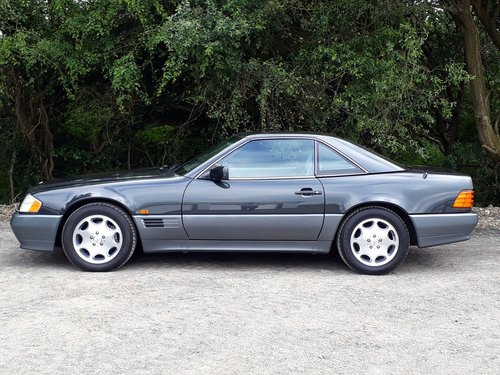 1992 STUNNING TIME-WARP MERCEDES SL 300 24V  For Sale (picture 2 of 6)
