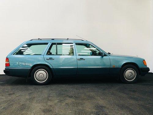 1991 230TE W124 ESTATE - RARE AIR CON CAR SOLD (picture 3 of 6)