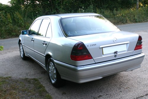 2000 Superb 1 Owner from Mercedes Benz C200 Elegance For Sale (picture 3 of 6)