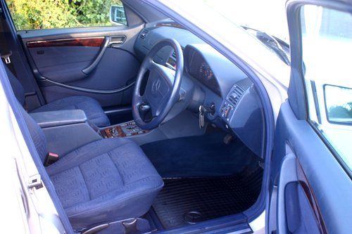 2000 Superb 1 Owner from Mercedes Benz C200 Elegance For Sale (picture 6 of 6)