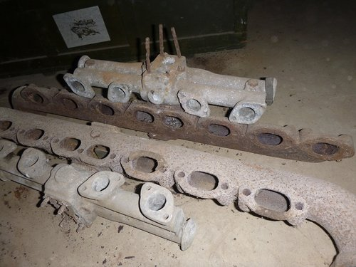 mercedes manifold For Sale (picture 1 of 4)