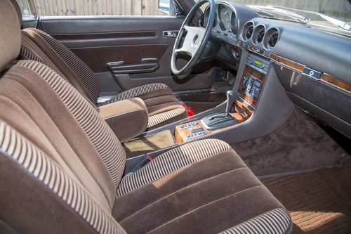 1981 Mercedes-Benz 500 SLC, Only 33,500 miles SOLD (picture 4 of 6)