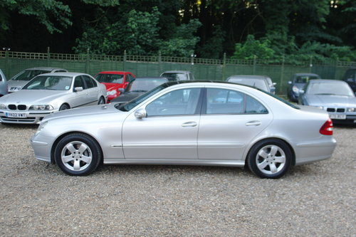Mercedes E320 CDi Avantgarde. Tip Auto. Hi Spec FSH. Bargain SOLD (picture 2 of 6)