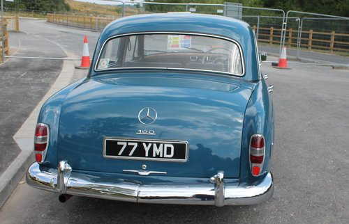 1960 Mercedes Benz Ponton 190b Saloon UK RHD Example SOLD (picture 5 of 6)