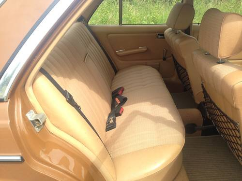 1980 MERCEDES BENZ 230 AUTO SALOON W123 ONLY 44,000 MILES For Sale (picture 5 of 6)