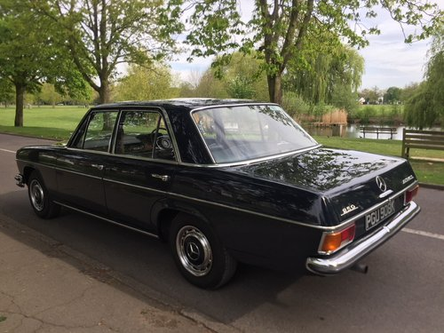 1971 Rare UK supplied RHD Classic Mercedes W114 250 For Sale (picture 4 of 6)