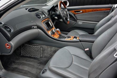 2003 Mercedes SL 500 5.0 V8 SOLD (picture 3 of 6)