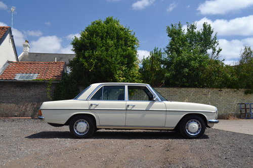 1975 Mercedes-Benz 230 Automatic For Sale (picture 2 of 6)