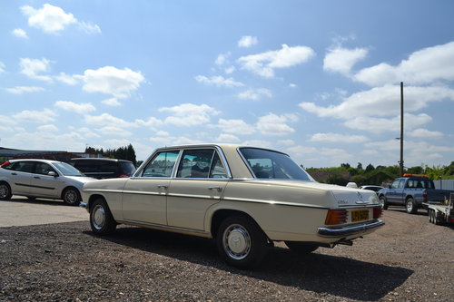 1975 Mercedes-Benz 230 Automatic For Sale (picture 3 of 6)