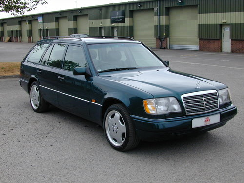 1996 MERCEDES BENZ W124 E220 ESTATE 7 SEAT LEATHER! EXCEPTIONAL!! For Sale (picture 1 of 6)