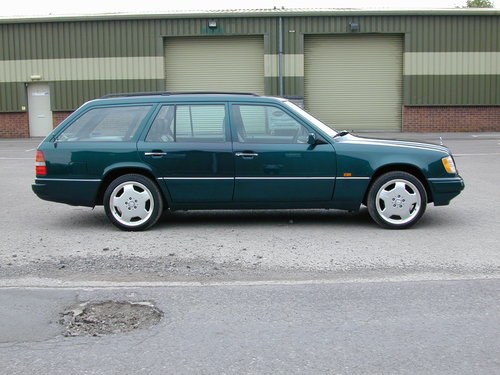 1996 MERCEDES BENZ W124 E220 ESTATE 7 SEAT LEATHER! EXCEPTIONAL!! For Sale (picture 2 of 6)