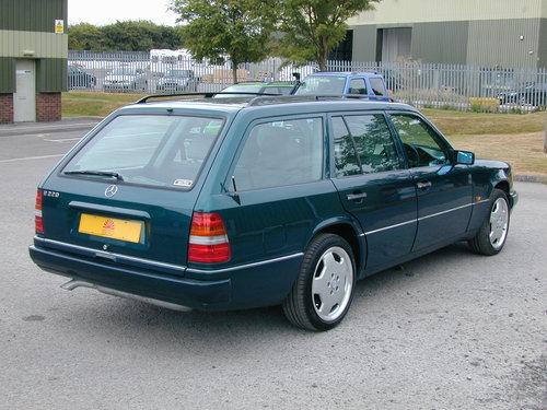 1996 MERCEDES BENZ W124 E220 ESTATE 7 SEAT LEATHER! EXCEPTIONAL!! For Sale (picture 3 of 6)