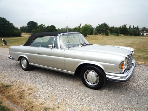 1971 Mercedes 280 SE 3.5 Convertible For Sale (picture 1 of 6)